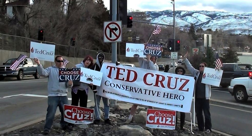 Ted Cruz Nevada Reno sign wave