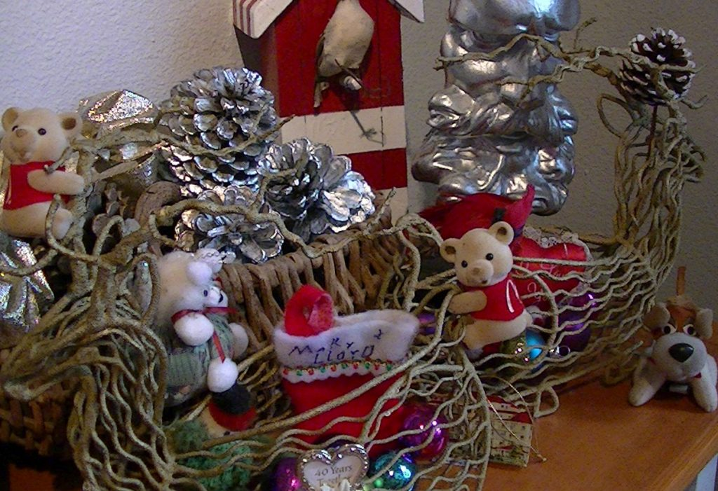 christmas-reindeer-baskets
